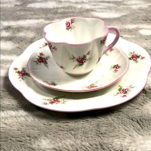Shelley China tea cup saucer and plate w/roses